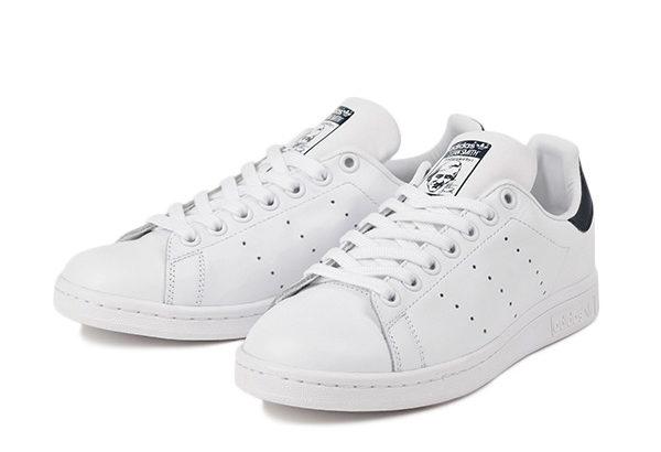 スニーカー(メンズ)はアディダスのスタンスミスがおすすめ!着回しコーデに最強の靴です!
