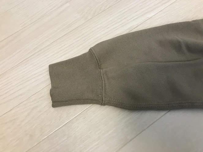 ユニクロ スウェットシャツ ステッチ糸